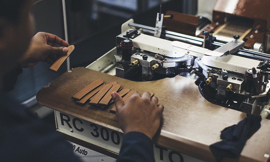 Процесс изготовления часовых ремешков из кожи