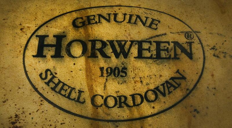 Натуральная кожа Horween - один из лучших материалов для изготовления кожаных часовых ремешков ручной работы.