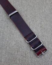 Бордовый ремешок ZULU из Horween